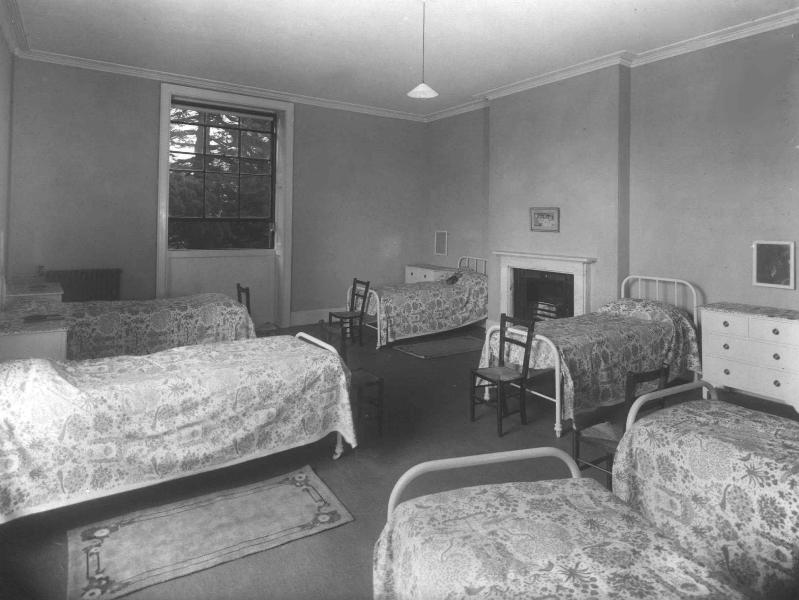 54-bedroom